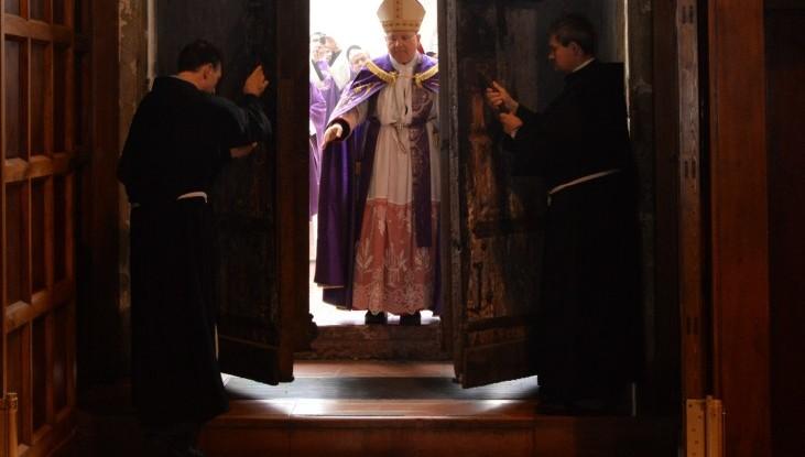 Porta santa ad Assisi