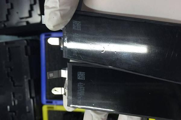 IPhone 7, online la doppia fotocamera