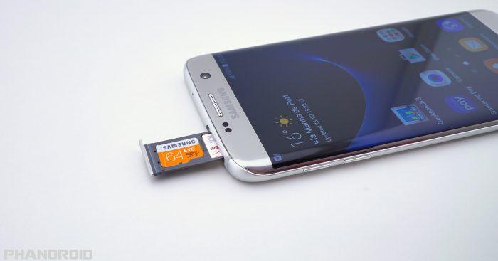 Dopo i bordi 'arrotondati', da Samsung lo smartphone che si arrotola