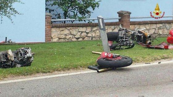 Lecco: scontro tra amici in moto, due morti