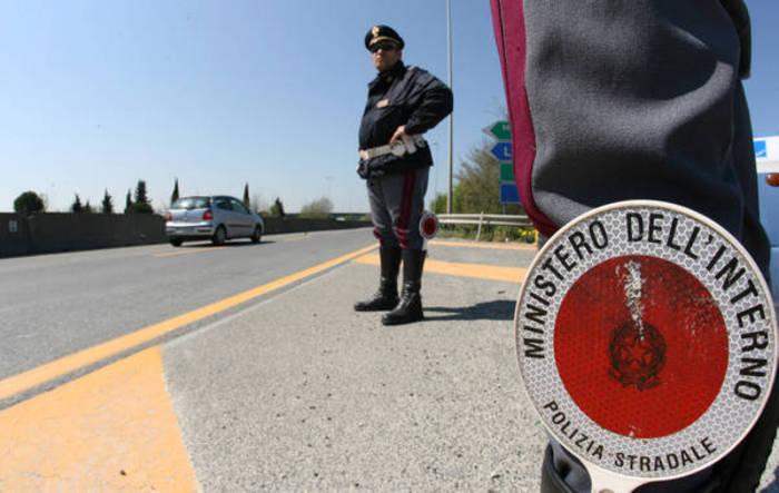 Dalla Grecia a Terni nascosto sotto Tir