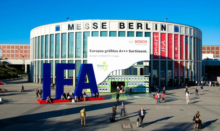 Alcatel presenta i nuovi indossabili MOVE all'IFA di Berlino
