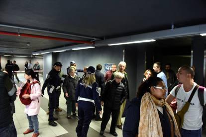 Allarme bomba a Milano, evacuata la stazione Centrale