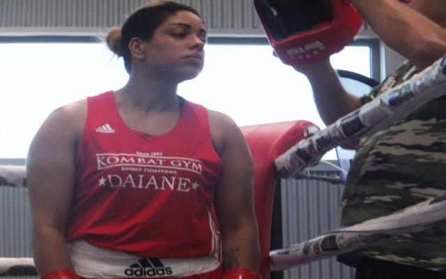 Pordenone, aggredita in strada mette ko gli aggressori: era campionessa di Boxe