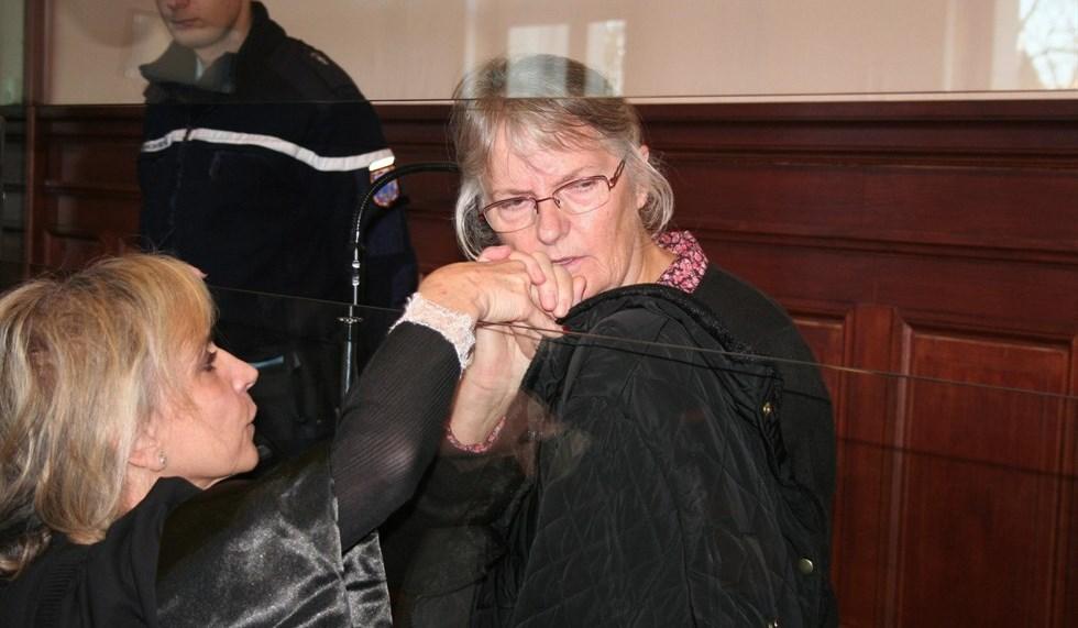 Uccise marito violento, Hollande concede la grazia a Jacqueline Sauvage