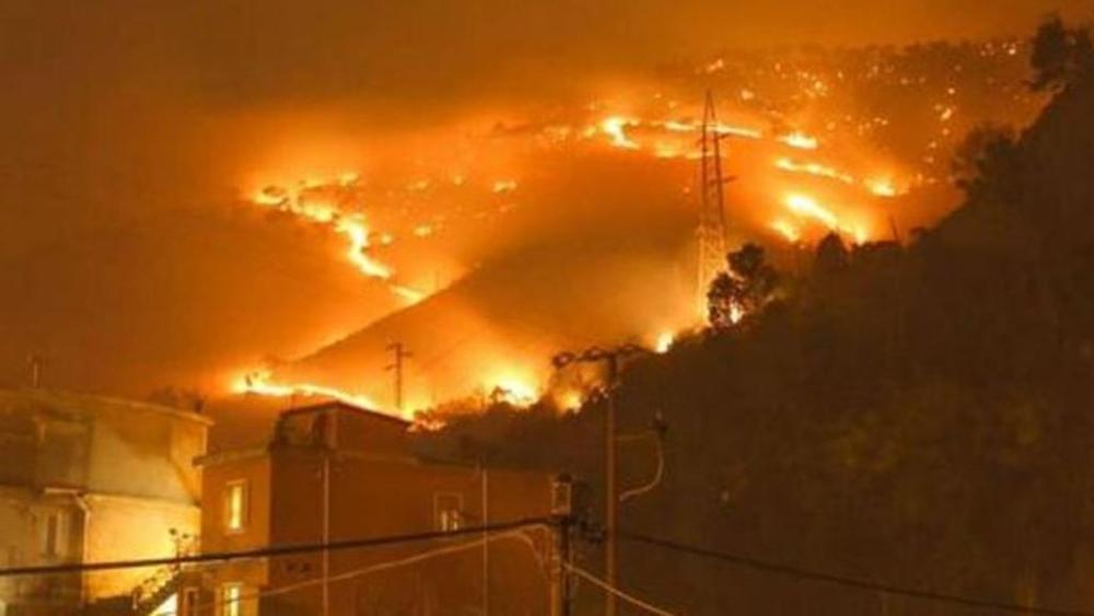 Incendi a Genova: operaio denunciato per rogo Nervi