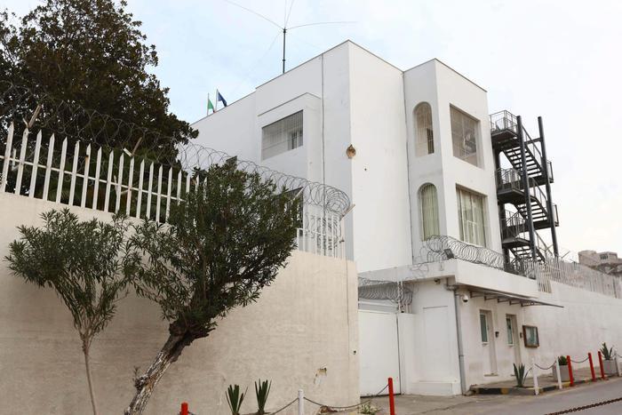 Libia, autobomba esplode vicino all'ambasciata italiana