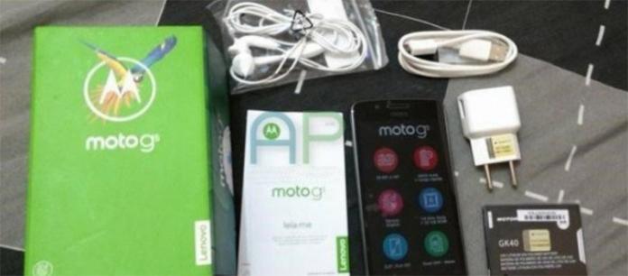Moto G5 con confezione di vendita, batteria ed accessori